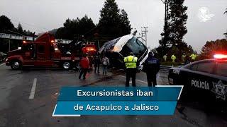 La volcadura de un autobús en la carretera México - Toluca este martes por la mañana trajo otras consecuencias además de los 15 fallecidos y 22 lesionados, pues al menos cinco niños que recibieron atención médica en hospitales mexiquenses no pudieron dar sus datos ni el de sus familiares
