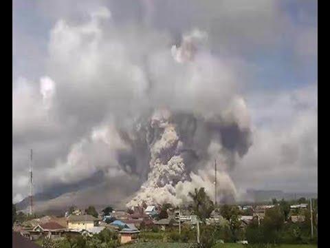 "BREAKING ""Massive Eruption Indonesia Mount Sinabung Volcano After 6.7 Quake"
