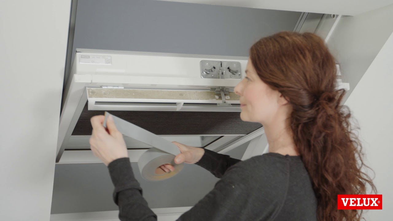 Installation Of Service Kit Zzz 220k On Velux Roof Window Ggu V22