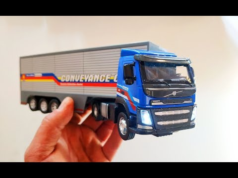 Про машинки. Открываю новую модель машины грузовик Volvo/Вольво фура свет и звук распаковка и обзор.