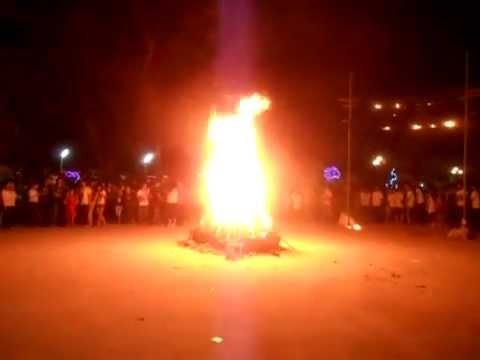 Đốt lửa trại (Xuân Nhâm Thìn 2012)