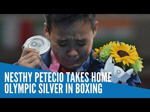 Nesthy Petecio takes
