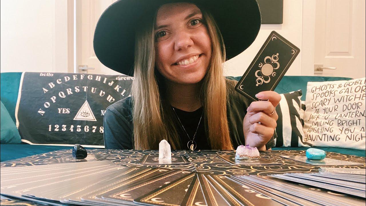 ASMR Tarot Pick-A-Card Reading & Relaxation ✨😌