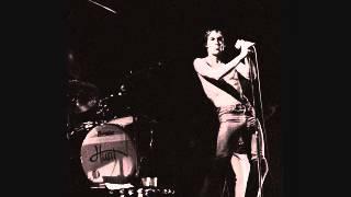 Iggy Pop - Neighbourhood Threat (En Vivo - Live At Manchester Apollo Theater UK 1977)