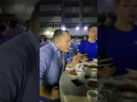 Shenzhen, luohu, seafood street. Eating guiduck sashimi with killing wasabi