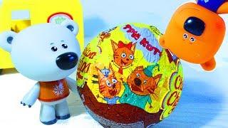 Ми-ми-мишки Кеша и Тучка ищут спрятанные игрушки Три Кота, Маша и Медведь Киндер Сюрприз с игрушками