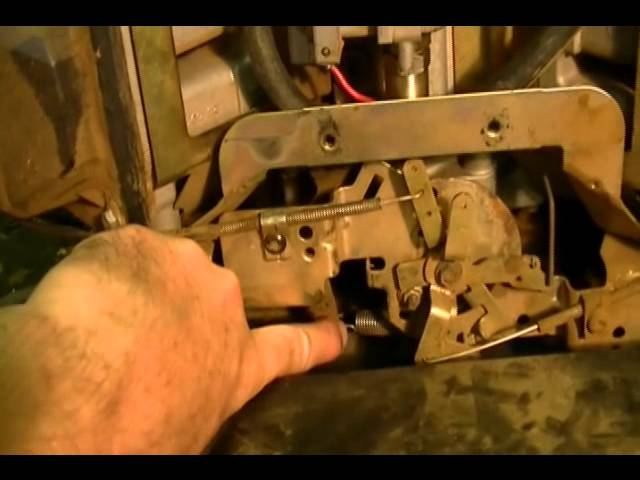 Dixie Chopper - Small Engine Repair: How to Adjust the Mechanical
