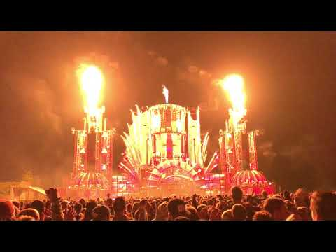 Phuture Noize - Fire @ Q-BASE 2017. | 4K.