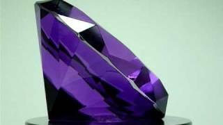 GLASS DIAMOND PAPERWEIGHT PURPLE 80MM