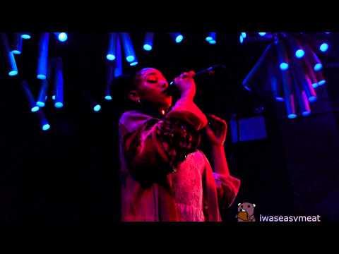 FKA twigs - Water Me (NYC DEBUT live @ Glasslands 4/16/14)