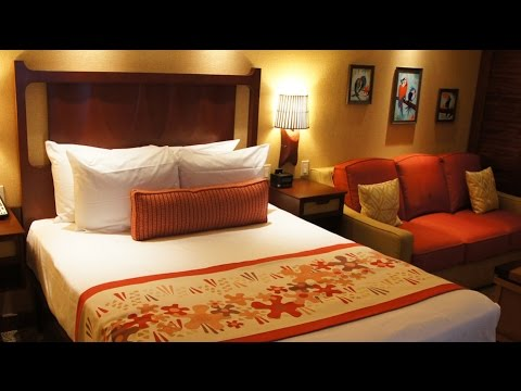 Polynesian villas deluxe studio dvc room tour at walt for Salon rochepinard tours