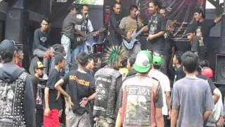 GlorypoinT you'll never walk alone - freedom of tower gigs TIC Borobudur Magelang 26012014