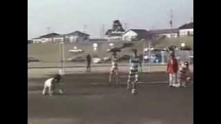 Китайцы решили поиграть в футбол в биноклях
