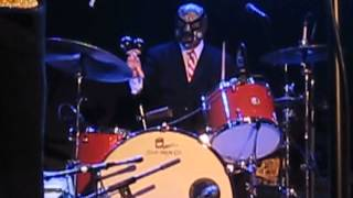 "LOS STRAITJACKETS (w/ NICK LOWE @ the end) -- ""I LOVE THE SOUND OF BREAKING GLASS"""