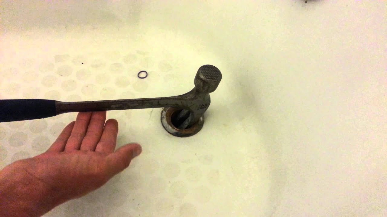 Marvelous How To Remove A Broken Tub Drain Pipe   YouTube