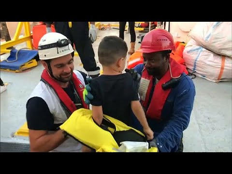 وزير فرنسي: لا يمكن لسفينة انقاذ اللاجئين -أكواريوس- الرسو في مرسيليا…  - نشر قبل 17 ساعة