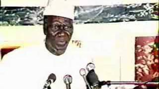 Sekou Toure en conference de presse à Paris thumbnail
