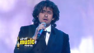 Sonu Nigam sings Rajesh Khanna classics at the Mirchi Music Awards!