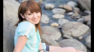 2010 ZENTの遠野千夏の歌う「この場所で」です。卒業の曲で切ないメロデ...