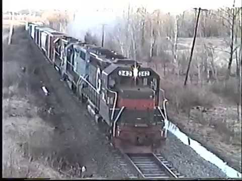 Guilford Freight through Madbury NH with GP-40's and a GP-35