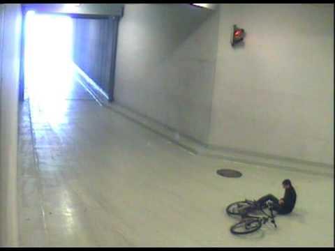 fahrrad crash marco howie hoewing auf dem arbeitsweg. Black Bedroom Furniture Sets. Home Design Ideas