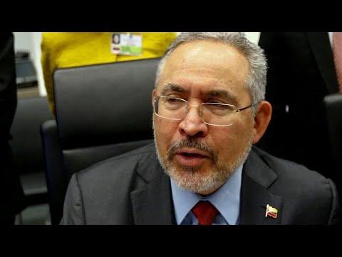 Ex-ministro morre na prisão com Maduro focado além-fronteiras