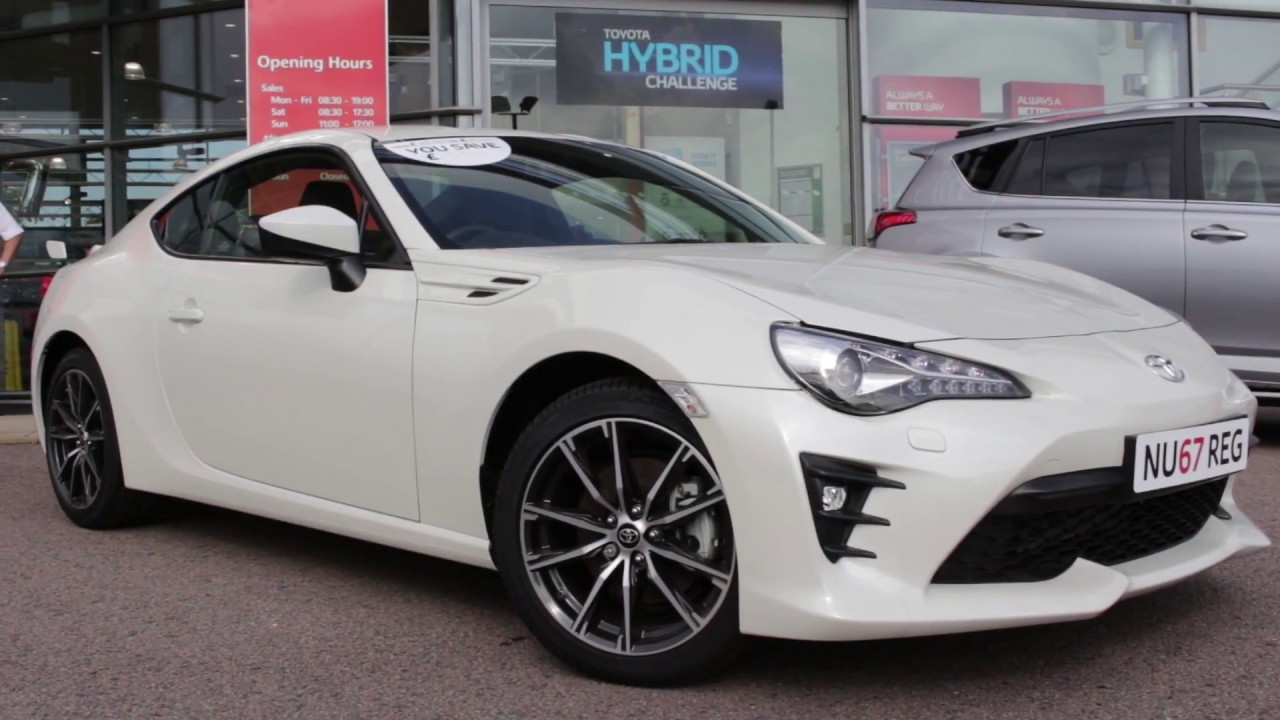 pinkstones toyota gt86 white manual youtube. Black Bedroom Furniture Sets. Home Design Ideas