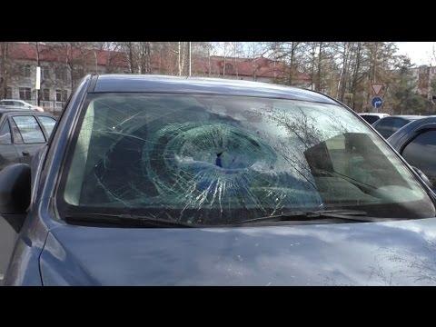 Разбили машину за то что Раменской мафии жить мешает.