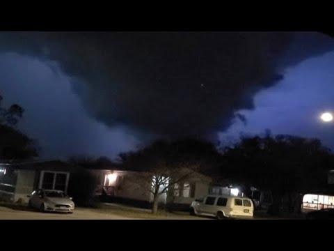 اعصار يضرب امريكا ، تكساس واخر يضرب ما يسمى اسرائيل