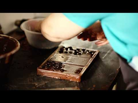 Ilze's Chocolat - Making Artisan Chocolate Bars - Flamed Raisin Bars