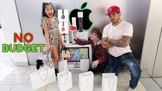 No Budget at The Apple Store PRANK On Txunamy!! *Gone Wrong* | Familia Diamond