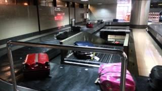 Video Amazing baggage claim system in Noi bai airport download MP3, 3GP, MP4, WEBM, AVI, FLV Juni 2018