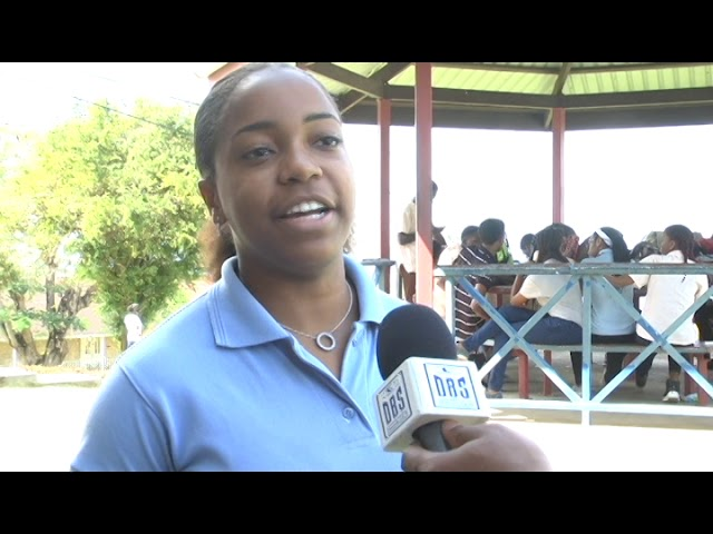 STUDENTS COUNCIL BACKS GOV. ON CORPORAL PUNISHMENT ISSUE