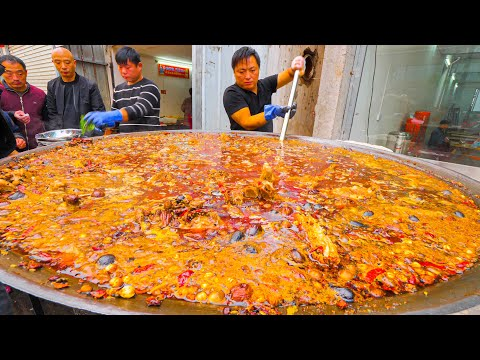 Chinese Street Food – 200 KG Street Hot Pot (SPICY!!!) + RARE Street Food Tour of Kaifeng, China!