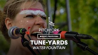 "tUnE-yArDs perform ""Water Fountain"" - Pitchfork Music Festival 2014"