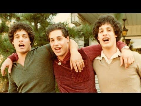 Trois étrangers identiques