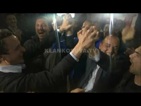"VV feston në Prizren, Haskuka ""e fluturon"" Kurtin - 19.11.2017 - Klan Kosova"