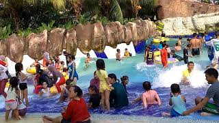Berenang di word of wonder