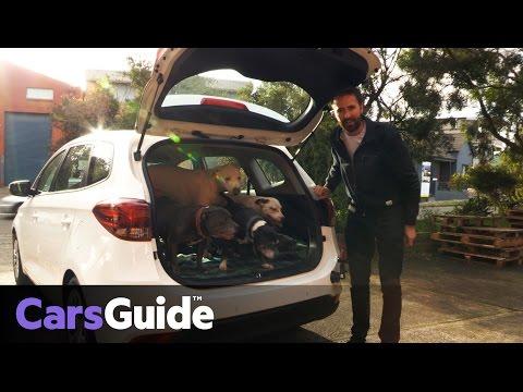 Kia Rondo S 2017 Review | Road Test Video