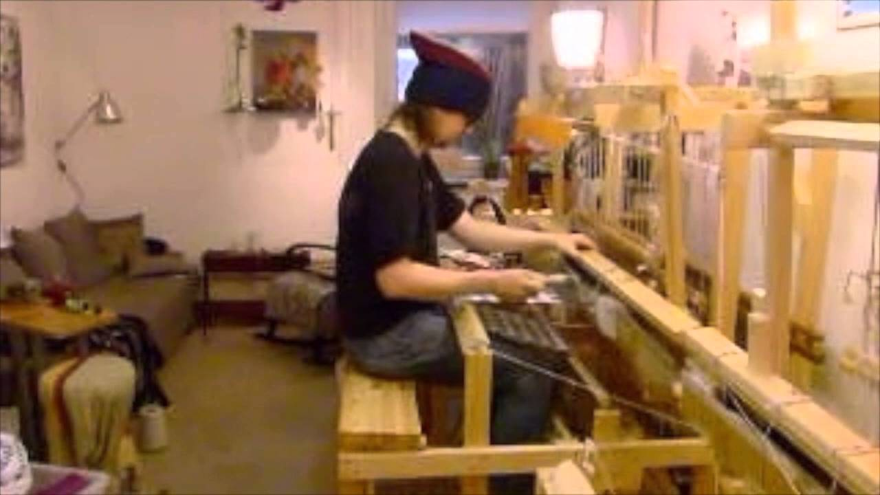 Fast weaving on a Flying8 contemporary loom