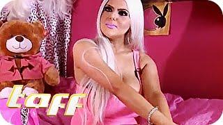 500€ im Monat für SELBSTBRÄUNER: Englands Real-Life-Barbie | taff | ProSieben