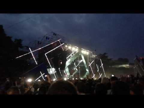 Duke Dumont dropping Eric Prydz - Opus (Four Tet Remix) at Exit Festival 2017