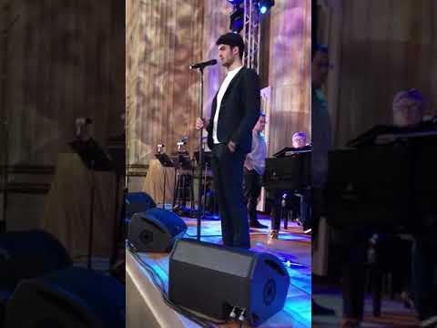 """""""Love me tender.."""" Matteo Bocelli Backstage"""