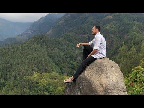 watulawang-dengan-pemandangan-gunung-dan-7-air-terjun-di-nganjuk