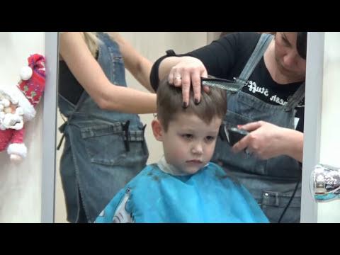 Поход в детский центр на стрижку машинки ХотВилс Cutting hair at the hairdresser VLOG new hot wheels