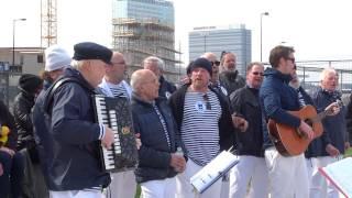 Mini Sail Amsterdam: Nieuwendammer Shantykoor met o.a. Drunken Sailor