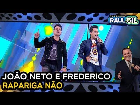 """JÃO NETO E FREDERICO CANTA """"RAPARIGA NÃO"""" NO PROGRAMA RAUL GIL!"""