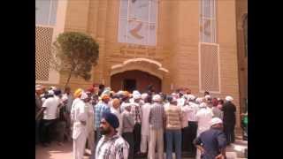 Guru Nanak Darbar Gurdwara in Dubai.wmv