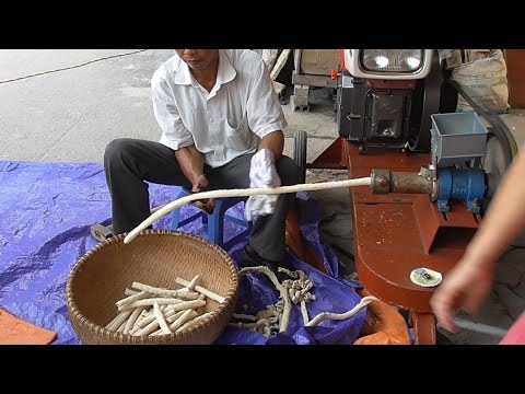 Making 100 Foot Long Rice Cracker Bar - Vietnam street food