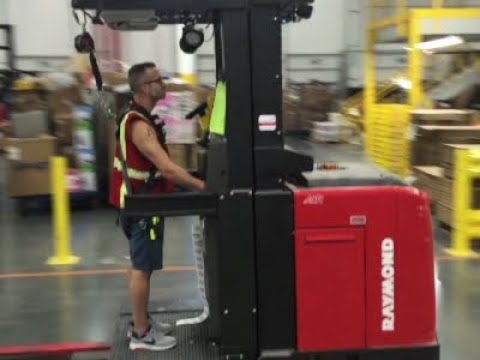 Amazon Goes On Warehouse Hiring Spree Youtube